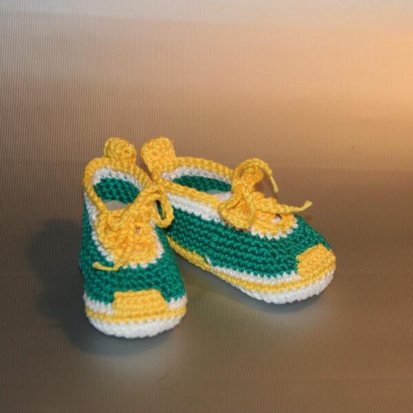 Baby Schoen gympie gehaakt groen geel 1