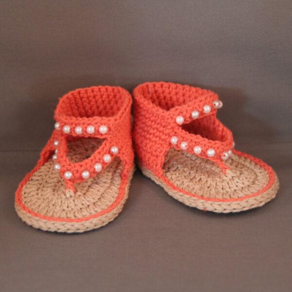 Baby Sandaal gehaakt parels ecru oranje