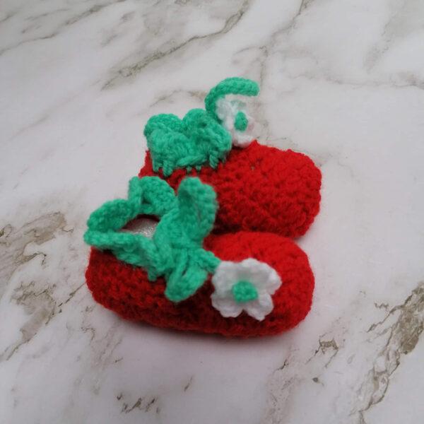 Baby slof schoen gehaakt aardbei zij