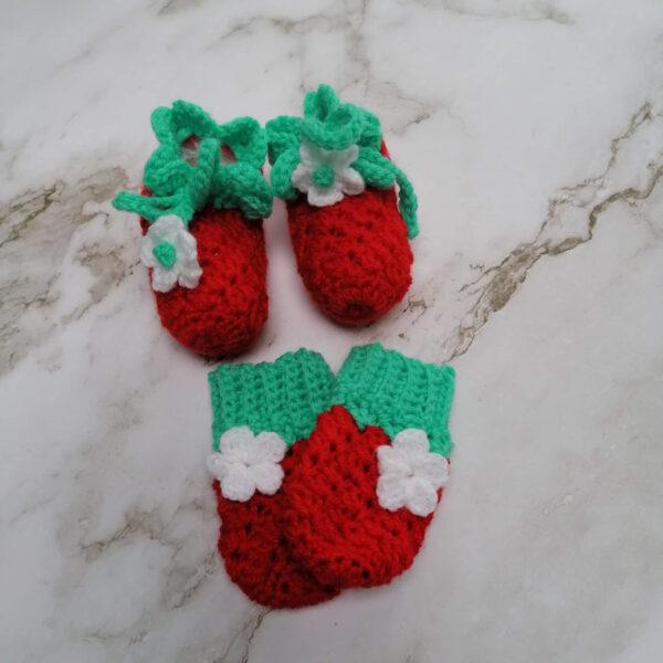 Baby slof schoen want gehaakt aardbei