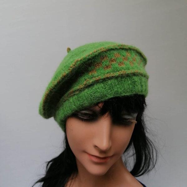 Baret damesmuts gebreid wol groen