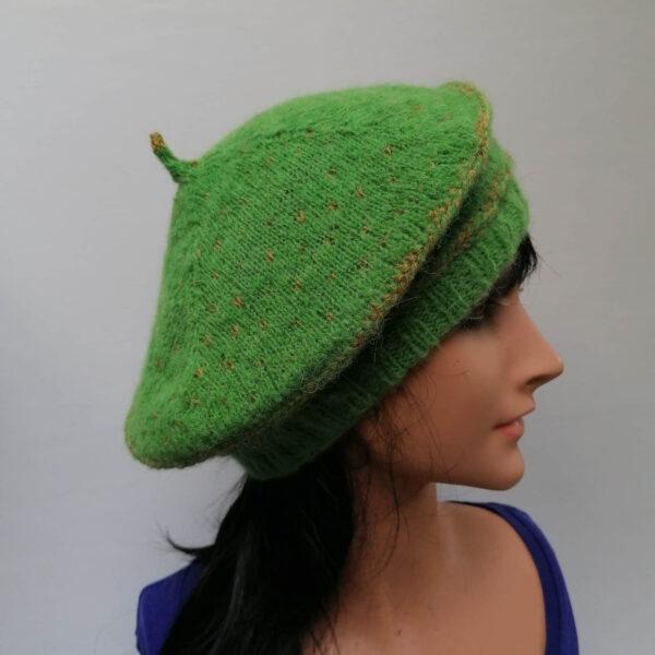 Baret damesmuts gebreid wol groen voor