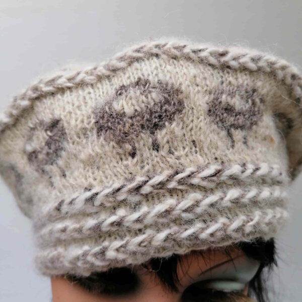 baret damesmuts gebreid wol ecru detail
