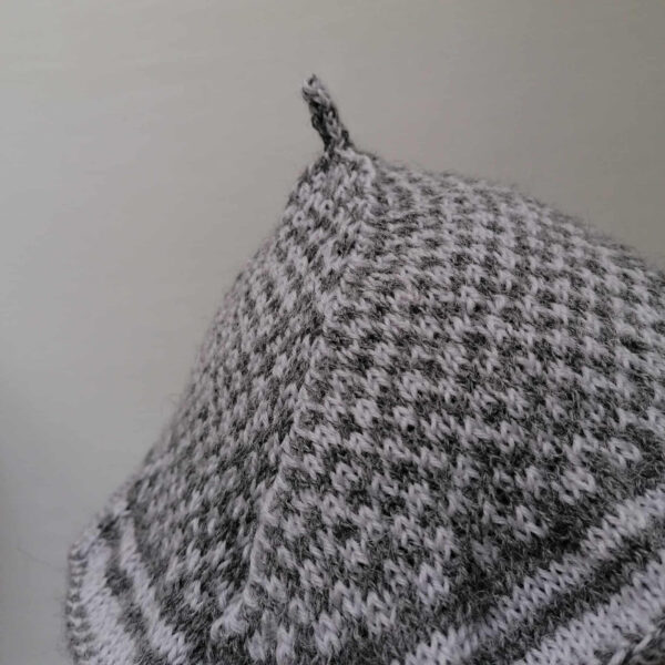 baret damesmuts gebreid wol grijs detail 1