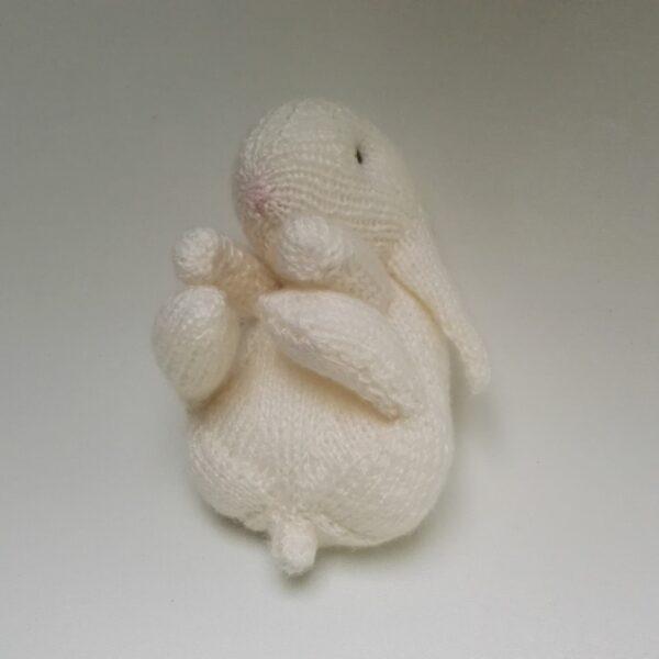 Baby Knuffel gebreid Konijn Wit Onder