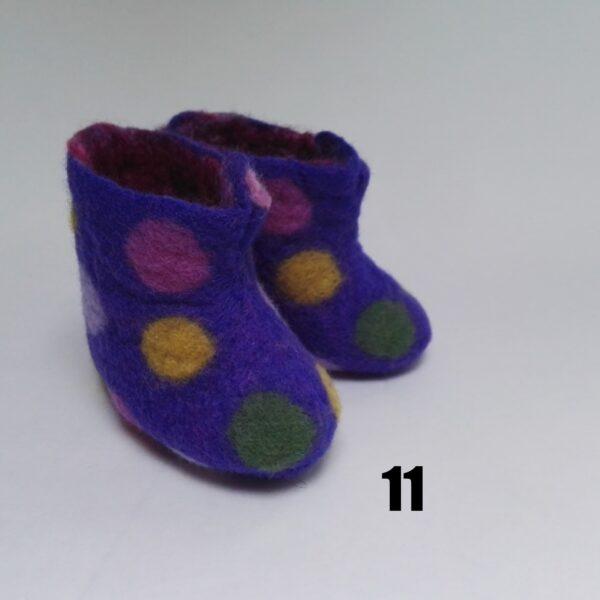 V11 - baby vilt laarsje paars stip meerkleur dolly
