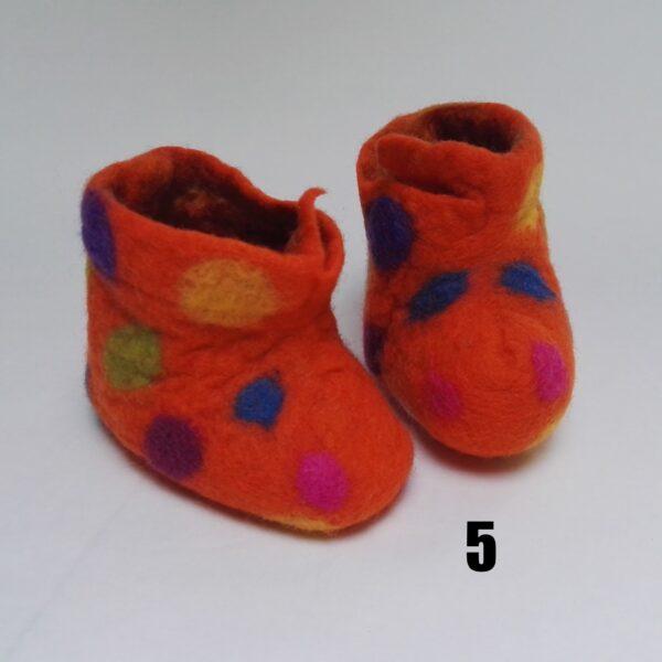 baby vilt laarsje oranje stip meerkleur dolly